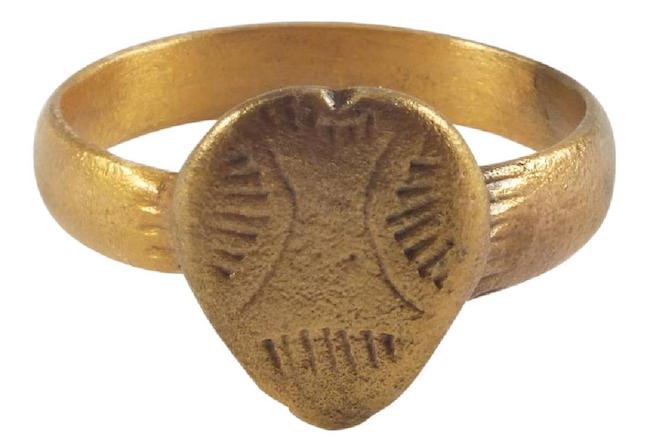 Viking warrior's heart ring, 850-100 A.D., gilt bronze, size 10 1/2. Estimate: $300-$400. Jasper52 image